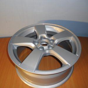 La giăng đúc R16 inch xe Cruze chính hãng GM