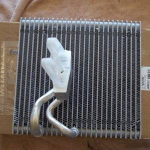 Giàn lạnh điều hòa xe Chevrolet Cruze chính hãng GM