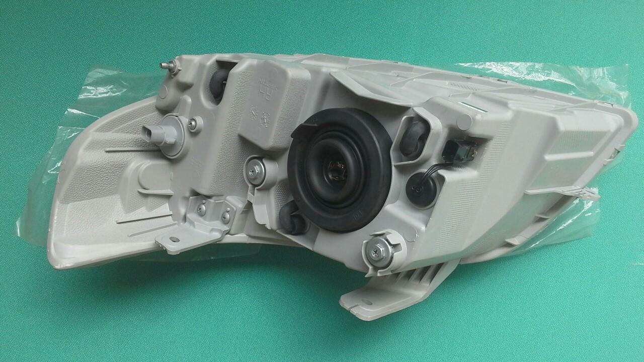Đèn pha xe Aveo 2014 chính hãng GM