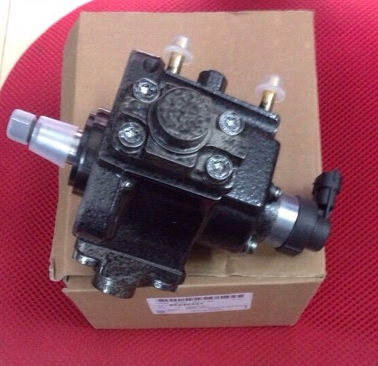 Bơm cao áp xe Captiva máy dầu chính hãng GM1