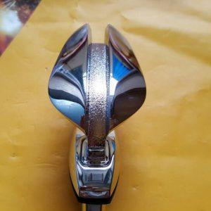 Biểu tượng nắp ca pô xe Magnus 2.5 chính hãng GM