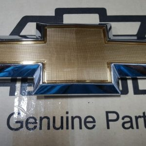 Biểu tượng cốp sau xe Colorado chính hãng GM
