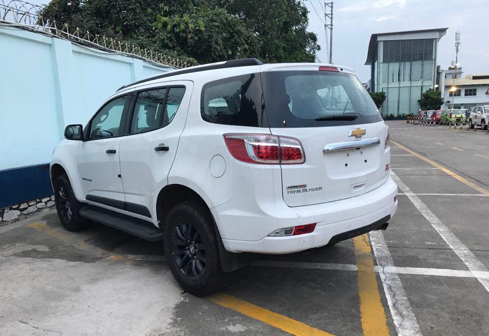 Chevrolet Trailblazer SUV 7 chỗ phân phối Việt Nam