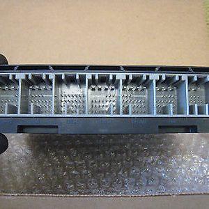 Hộp điều khiển các thiết bị điện tử xe Colorado chính hãng