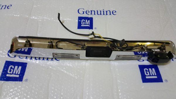 Nẹp trang trí cửa hậu có Camera xe Captiva C140 chính hãng GM