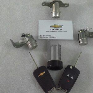 Bộ chìa khóa có điều khiển xe Spark M300 chính hãng GM