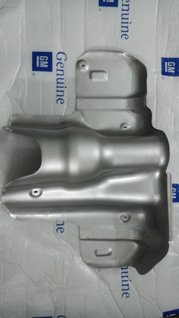 Tấm bảo vệ bình xăng xe Captiva chính hãng GM