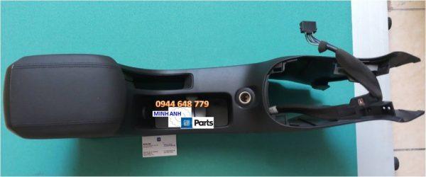 Hộp tỳ tay xe Cruze chính hãng GM